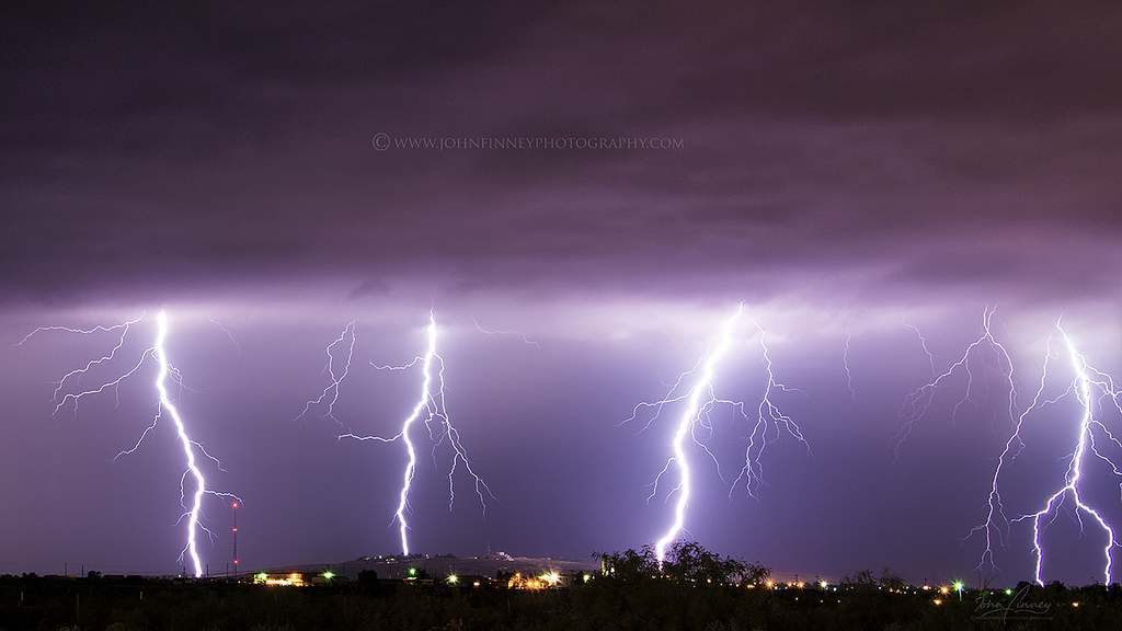 Carlsbad New Mexico - Lightning bolts over New Mexico